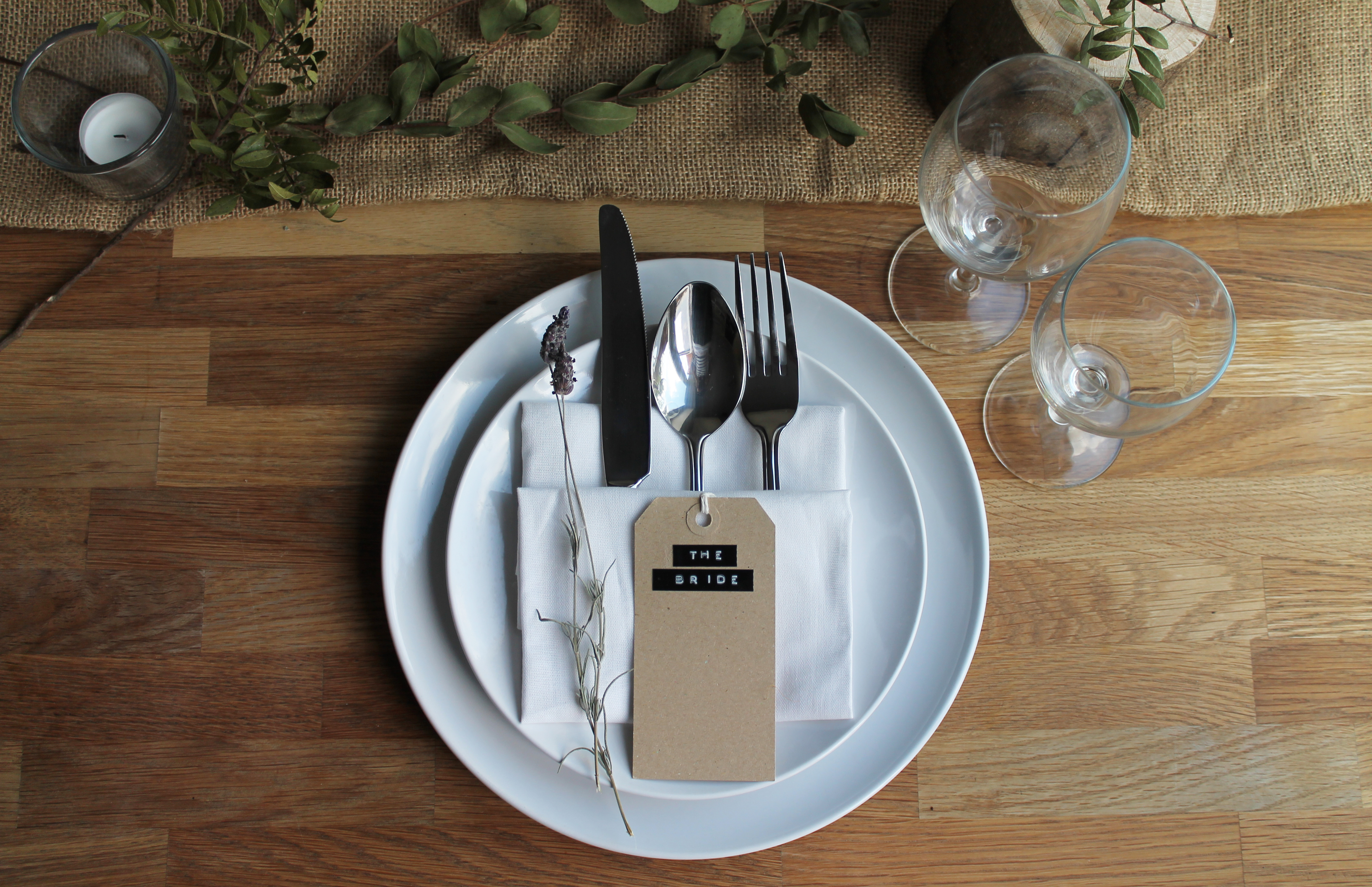 5 rustic place setting ideas the little lending company. Black Bedroom Furniture Sets. Home Design Ideas