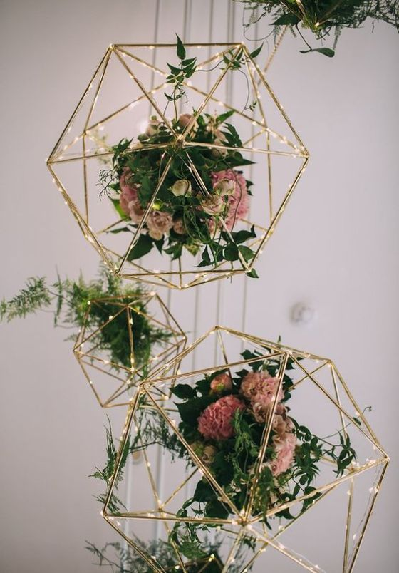 geometric-flowers-wedding-decor